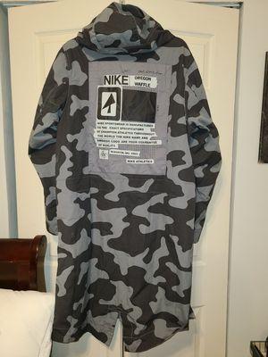 Nike Men's Grey/ Black Parka Jacket Size Small Men's (Can Fit Medium) for Sale in Ridgefield, NJ