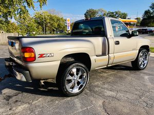 2001 Chevrolet Silverado LS Short bed Stepside for Sale in Dixmoor, IL