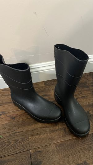 Men's rubber work boots size 8 for Sale in Downey, CA