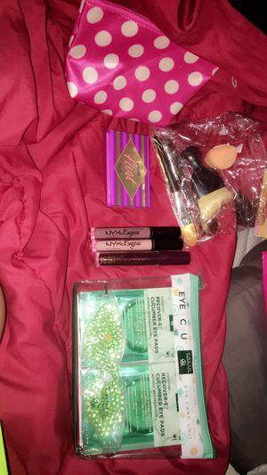 Makeup bundle for Sale in Austin, TX