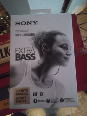 Sony mdr-xb50bs bluettooth headphones for Sale in Brandon, FL