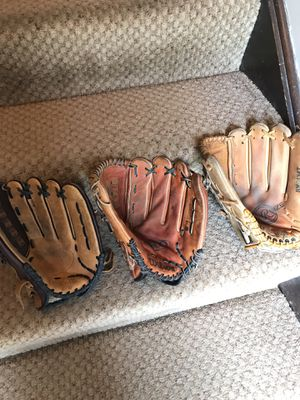 Softball gloves 12.5 to 13.5 inch models for Sale in Orland Hills, IL