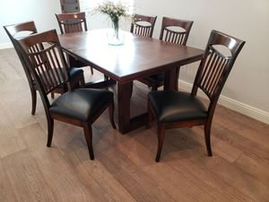 Dining table and 6 chairs for Sale in Peoria, AZ