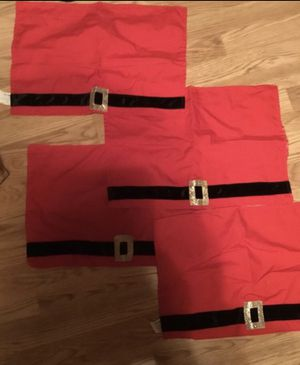 (4) PIER ONE IMPORTS ST. NICHOLAS SQUARE BELT RED, BLACK AND WHITE RECTANGLE PLACE MATS for Sale in Denver, CO