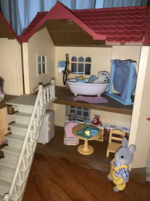 CALICO CRITTERS house, figurines & accessories for Sale in Tampa, FL