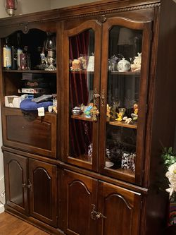 3 Piece Book Case Cabinets Real Wood Two Corner Case for Sale in Greenwich,  CT