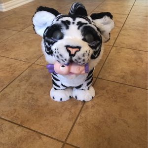 Hasbro FurReal Roarin' Ivory The Playful Tiger for Sale in Mansfield, TX