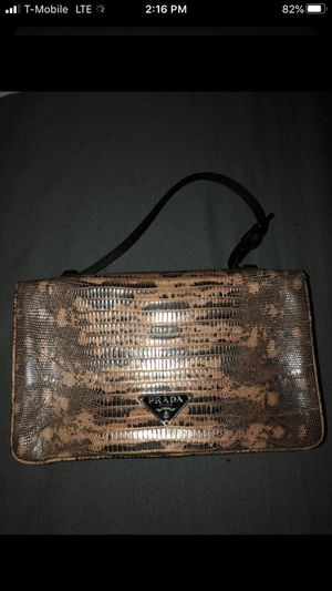 Authentic Prada Pink and Black Lizard Clutch for Sale in Fullerton, CA