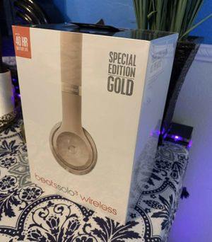 Beats Solo 3 Wireless Metallic Gold Limited Edition! Sealed! for Sale in Winter Garden, FL