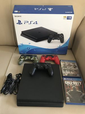 PS4 slim 1000GB, wireless turtle beach headset, and controllers for Sale in Los Angeles, CA