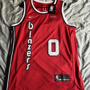 DAMIAN LILARD PORTLAND TRAILBLAZERS NBA NIKE JERSEY BRAND NEW WITH TAGS SIZE MEDIUM for Sale in Portland, OR