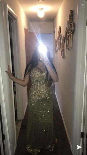 Wedding, prom, homecoming, party, formal dinner dress for Sale in New Baltimore, MI