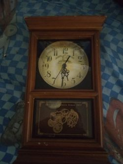 Antique clock for Sale in Wichita,  KS