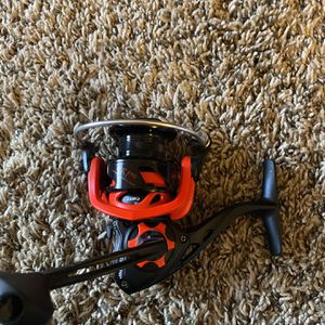 New Lews LZR Pro 30 Spinning Reel for Sale in Webster, TX