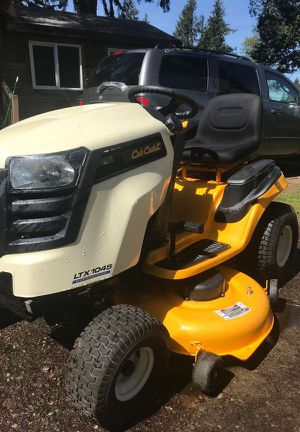 2012 Cub Cadet Riding Lawn Mower for Sale in Auburn, WA