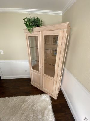 European Classic Contemporary Whitewash Solid Oak China Cabinet for Sale in Issaquah, WA