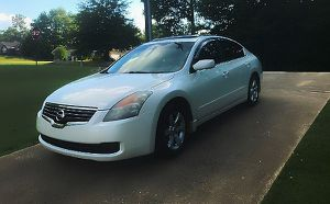 clear nissan altima 2008 for Sale in St. Louis, MO