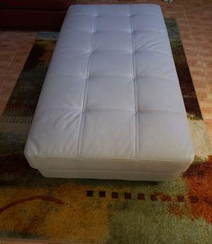 Ottoman (Off White) for Sale in North Miami Beach, FL