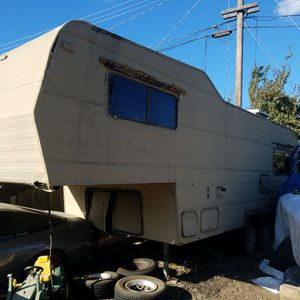 5th Wheel Camper $1700 for Sale in Manteca, CA