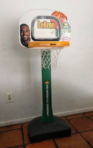 Basketball hoop for Sale in Miami Beach, FL