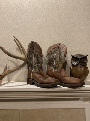 Camo Justin boots. Women's work boots. Size 7. Hardly ever worn. for Sale in Florence, KY