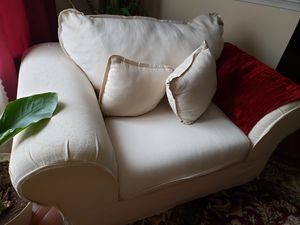 Love seat and couch free for Sale in District Heights, MD