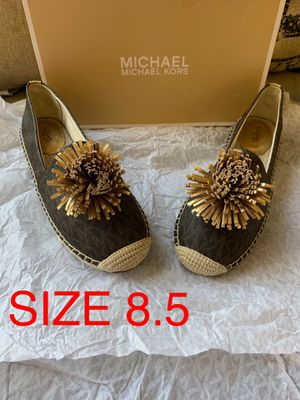 MICHAEL KORS SIZE 8.5 $70 Dlls NUEVO ORIGINAL MICHAEL KORS for Sale in Fontana, CA