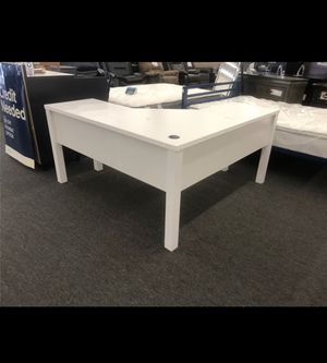 L Shaped Corner Desk for Sale in Houston, TX