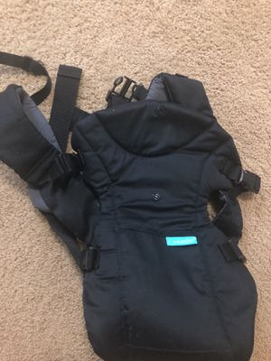 Baby carrier. Barely used for Sale in Silver Spring, MD