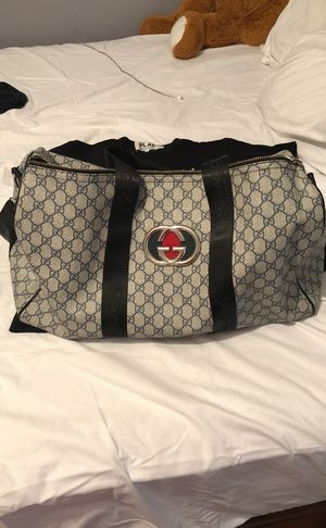 gucci duffle bag for Sale in Poinciana, FL