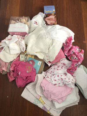 Newborn Baby girl items, free, pick up in Coral Springs for Sale in Coral Springs, FL
