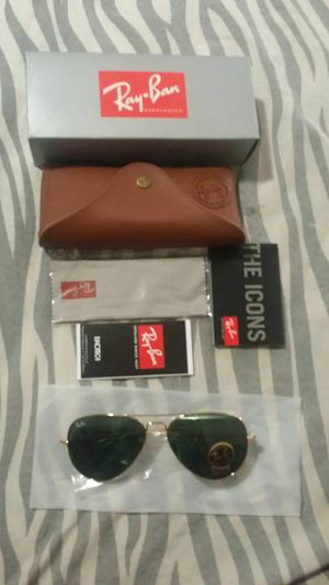 RayBan Aviator Sunglasses for Sale in Riverdale Park, MD