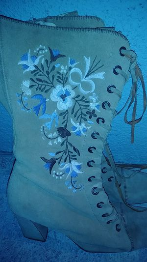 Suade boots with flower embroidery for Sale in Los Angeles, CA