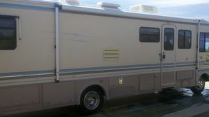 1993 Bounder Motorhome 34J for Sale in Pinon Hills, CA