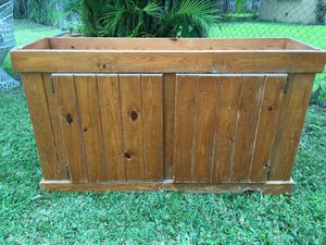 Fish tank 55 gallon with would furniture for Sale in Miami, FL