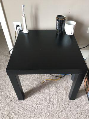 Small Desk/ night stand for Sale in Atlanta, GA