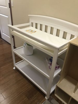 White baby changing table on wheels for Sale in Lynnwood, WA