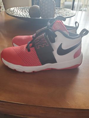 Size 7 youth nike team Hustle shoes for Sale in Columbus, OH