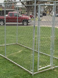 Dog Kennel ( 5 X10) 6ft Tall for Sale in Modesto,  CA