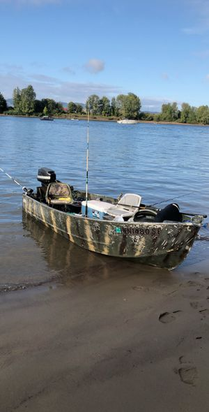 Aluminum fishing boat for Sale in Clackamas, OR