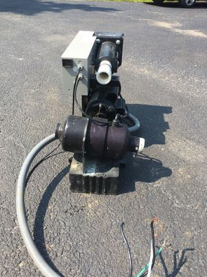 Hot tub pump and filter system for Sale in Painesville, OH