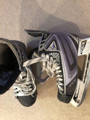 Hockey skates CCM men's size 9 for Sale in Fort Wayne, IN