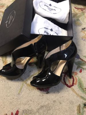 Women Prada shoes. Size 8 for Sale in Los Angeles, CA