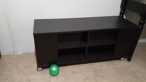 TV stand free for Sale in San Bernardino, CA