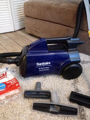 Sanitaire Eureka Mighty mite canister vacuum cleaner for Sale in Pinellas Park, FL