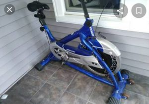 SPINNING BIKE GIANT for Sale in Manor, TX