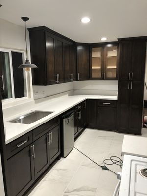 Kitchen Cabinets and Counters for Sale in Bloomington, CA