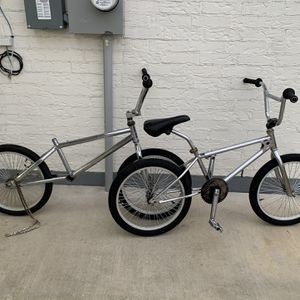 2 old school bmx bikes *** PENDING SALE** for Sale in Azle, TX