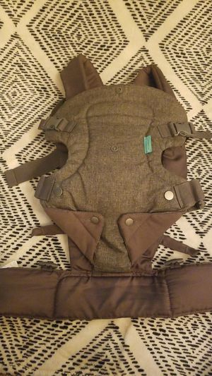 Infantino Baby Carrier for Sale in Houston, TX