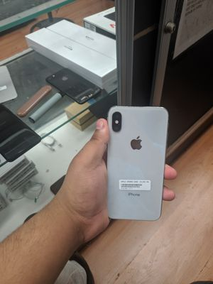 Iphone x 64gb unlocked (its a store) for Sale in The Bronx, NY